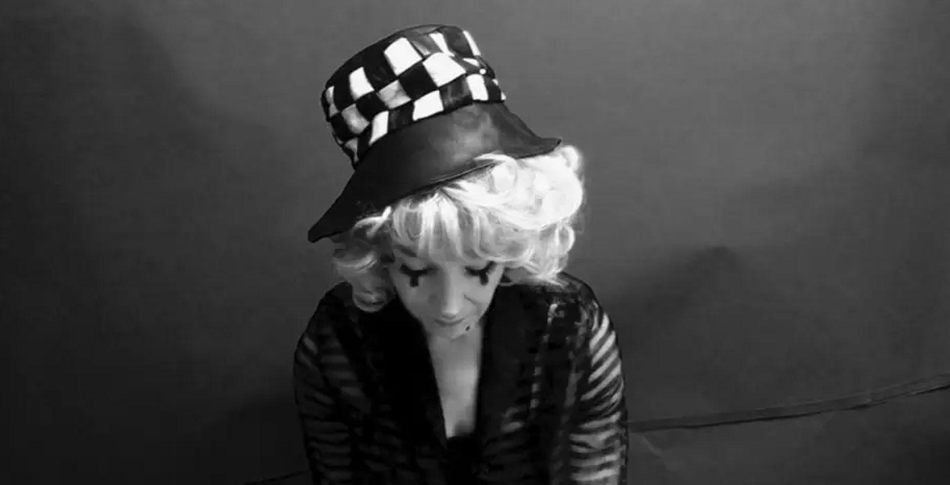 clown-hat-1a